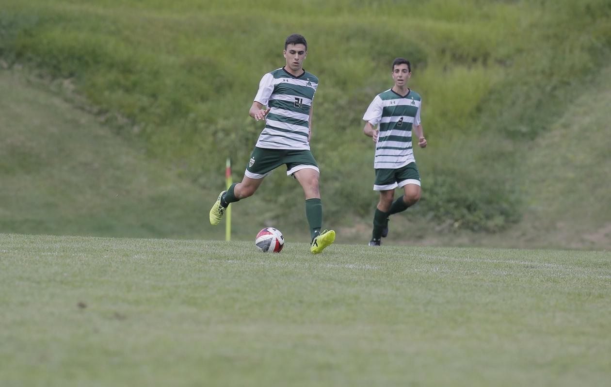 Men's soccer drops season opener to Bridgewater, 2-1