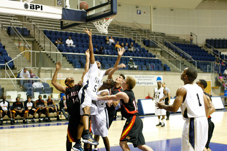 Hurricanes unable to hang on against Flagler