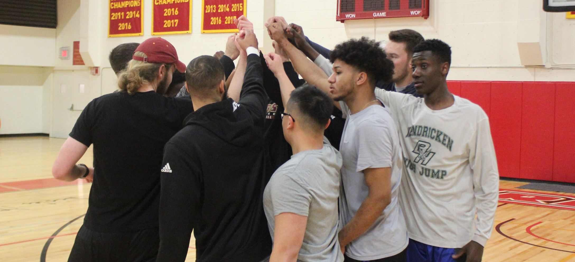 Men's Volleyball Holds First Practice of 2018 Season