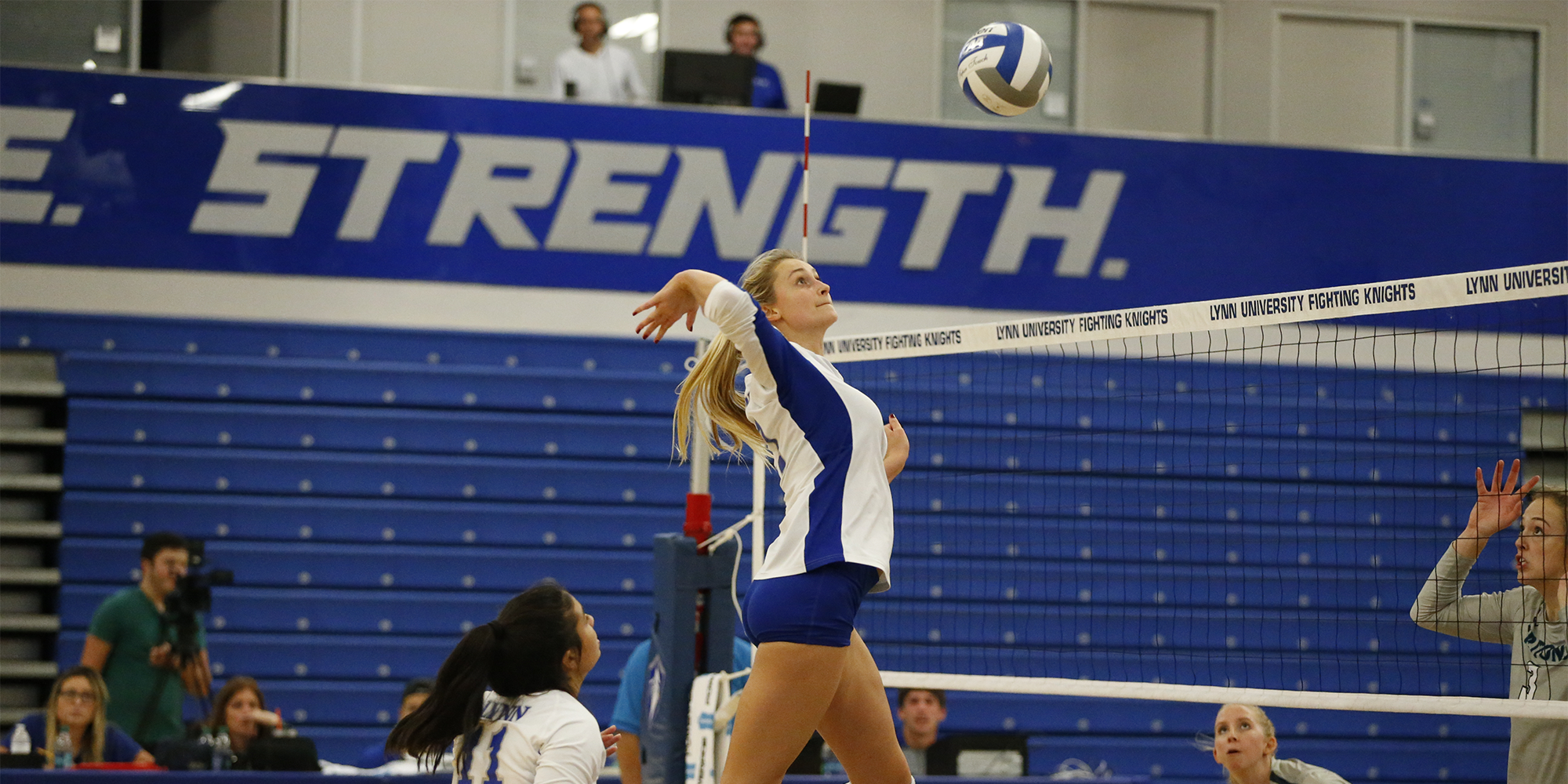 Volleyball Rolls to Two Wins in Alabama