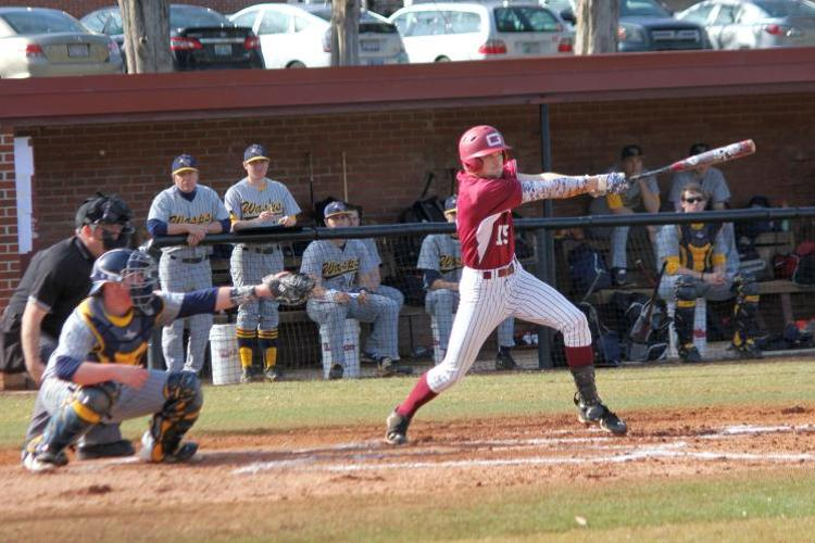 Late Inning Rally Pulls Quakers Away from Lynchburg