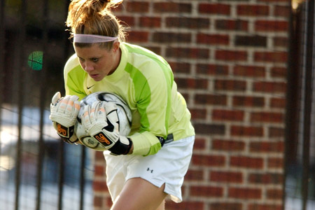 Women's Soccer Ties Swarthmore in CC Action
