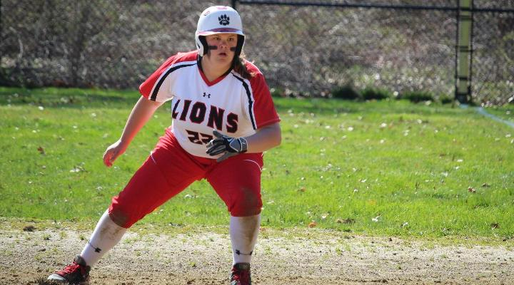 Softball Downed by Dominican, Defeats Mount Mary in Florida