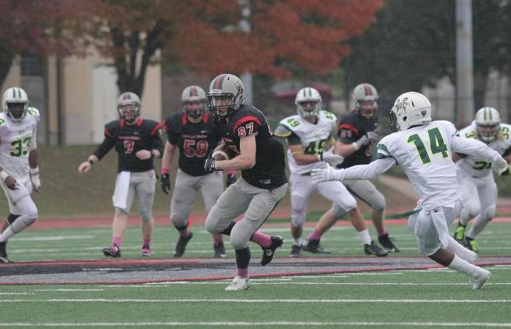 Schilling Sets Single-Game Receiving Record as Football Defeats Saint Vincent