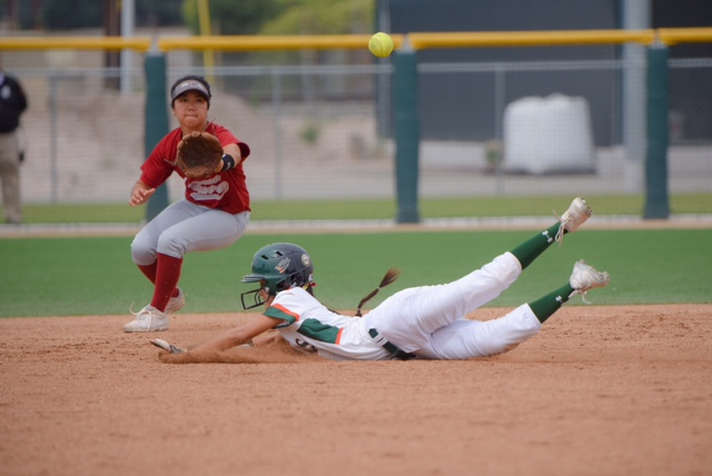La Verne, CMS Win on Day 1 of SCIAC Softball Tournament