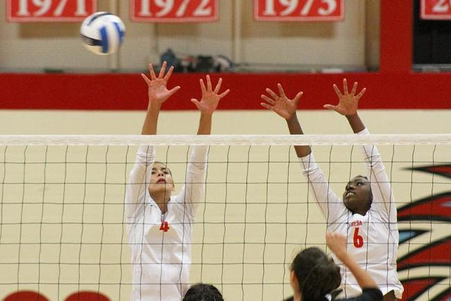 #19 Mesa Falls in Five Set Shootout with #3 Glendale
