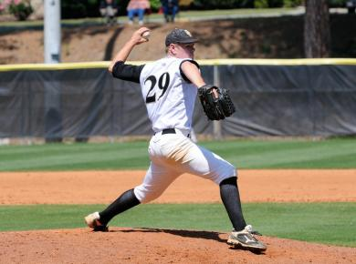 Baseball Sweeps Doubleheader from Paine in Augusta