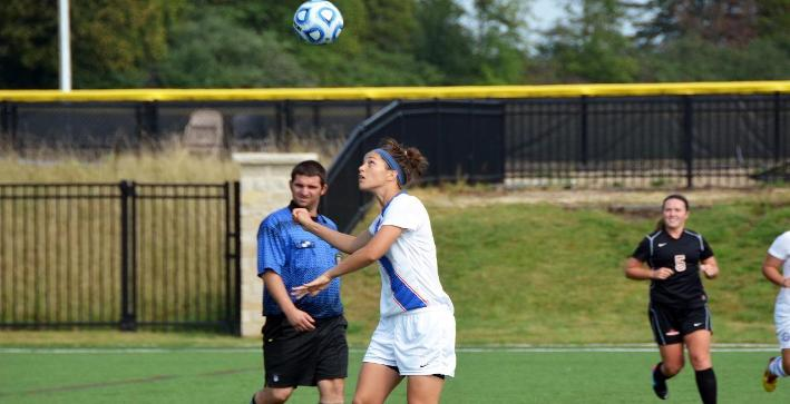 Hirssig's hat trick leads Women's Soccer past Dominican