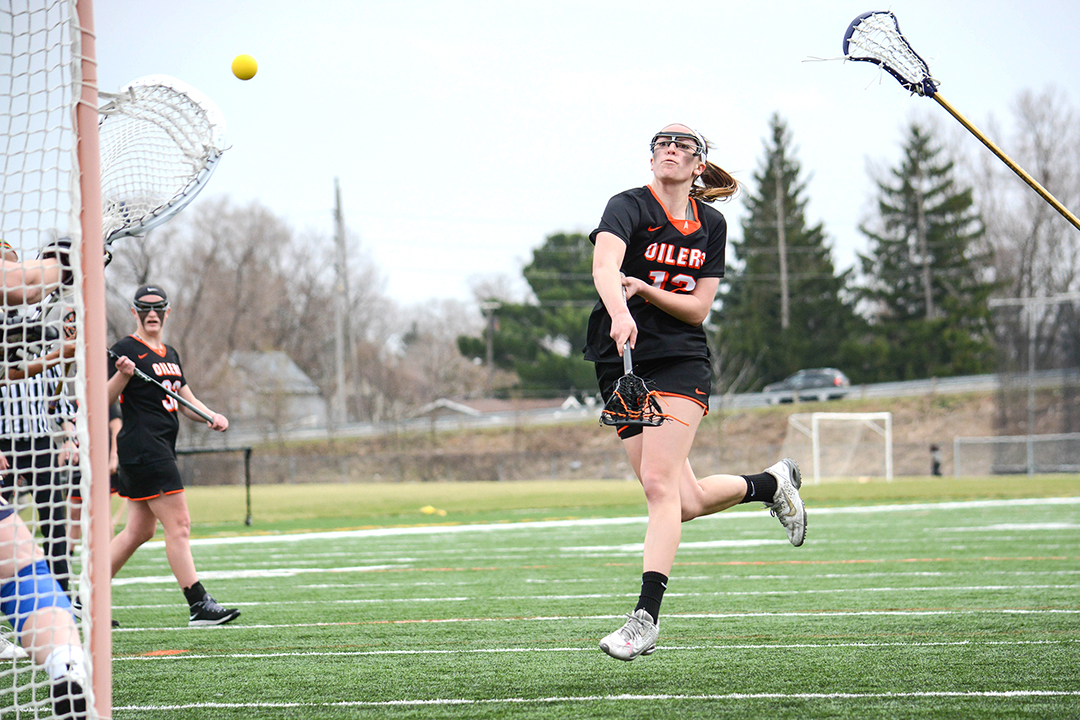 Oilers Score 13-4 Win over Shepherd