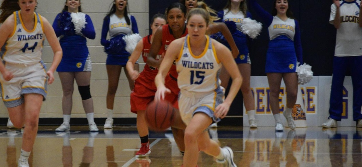 Women's Basketball Loses 70-53 at Coast Guard