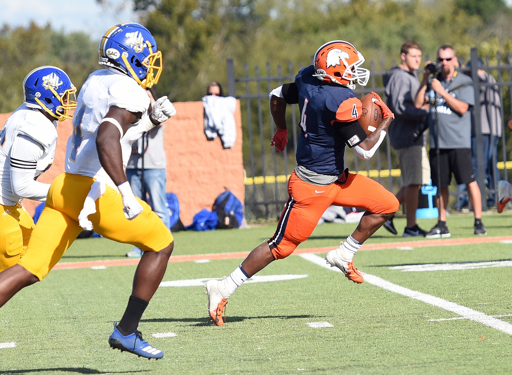 Carson-Newman rides hot start, efficient ground game to Homecoming rout of Mars Hill
