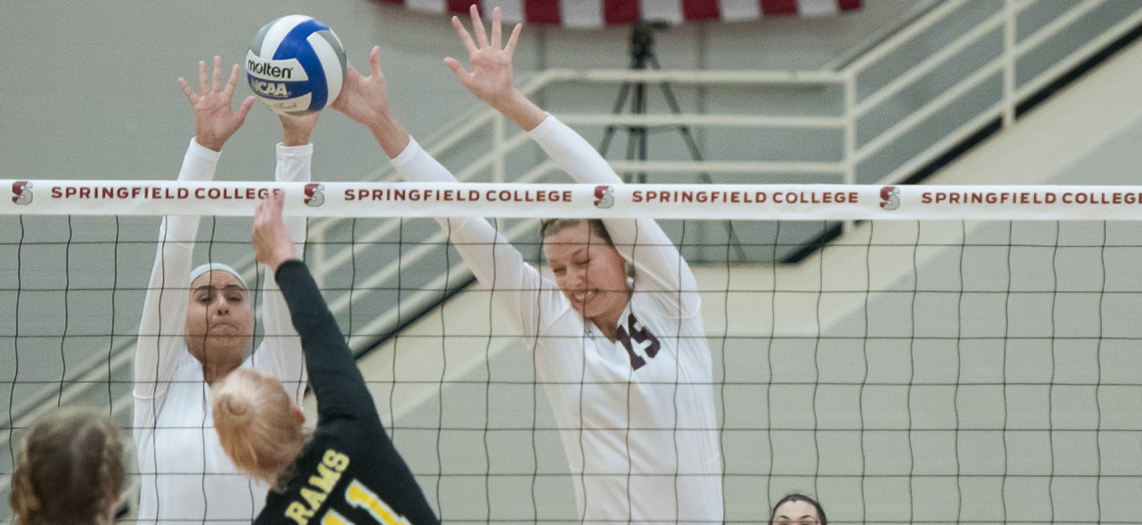 Women's Volleyball Triumphs Over Wellesley In Regular-Season Finale