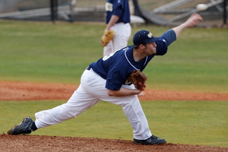27 runs & another gem from Sellars leads GSW to DH sweep