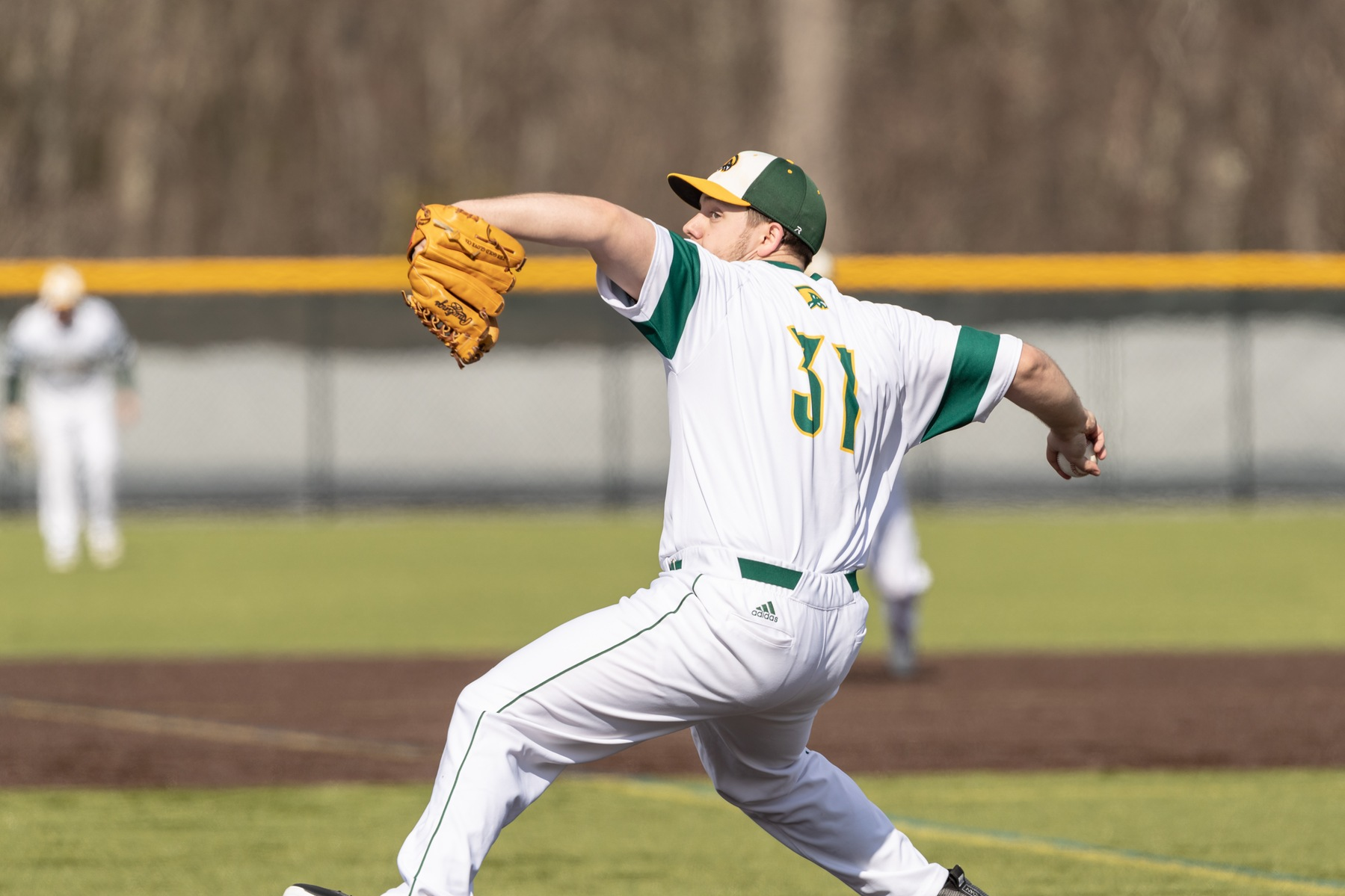 Falcons Split MASCAC Twinbill with Lancers