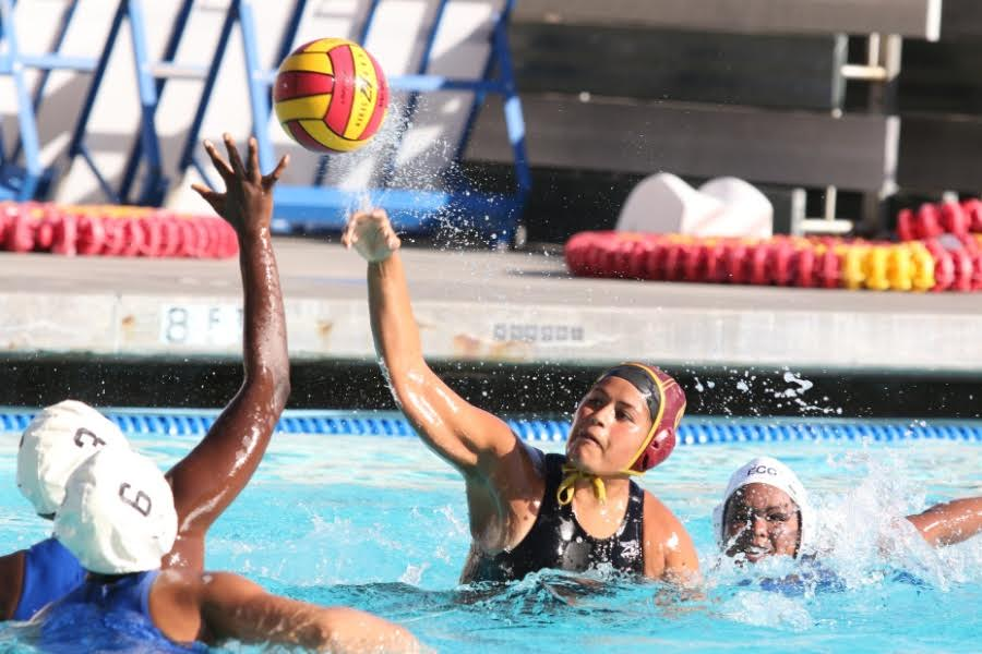 Women's Water Polo Beats El Camino, 6-3