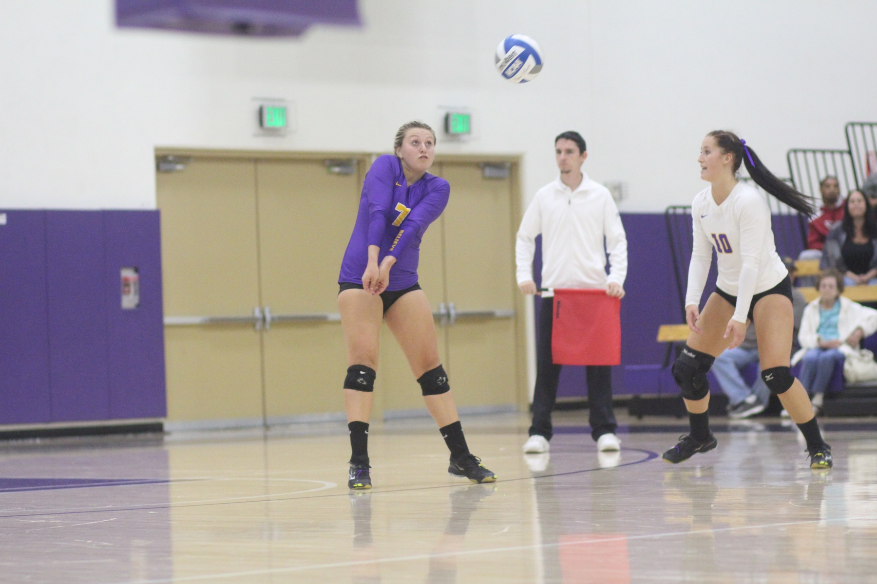 Regals fall short in five-set match to Leopards