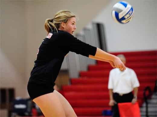 Volleyball goes 2-0 on first day of Haverford Invitational