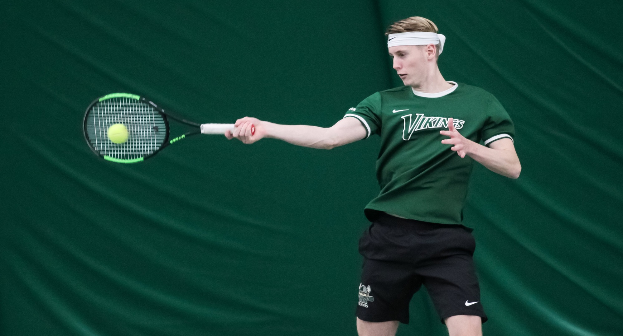 Vikings Pick Up 6-1 Victory At Duquesne To Close Out Roadswing