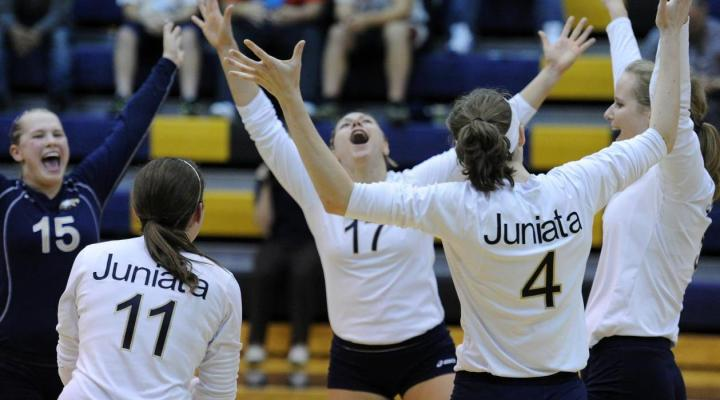 Juniata women's volleyball sails past Penn State Altoona in three