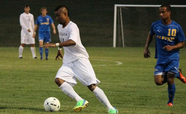 Men's Soccer Ties First-Place Abington