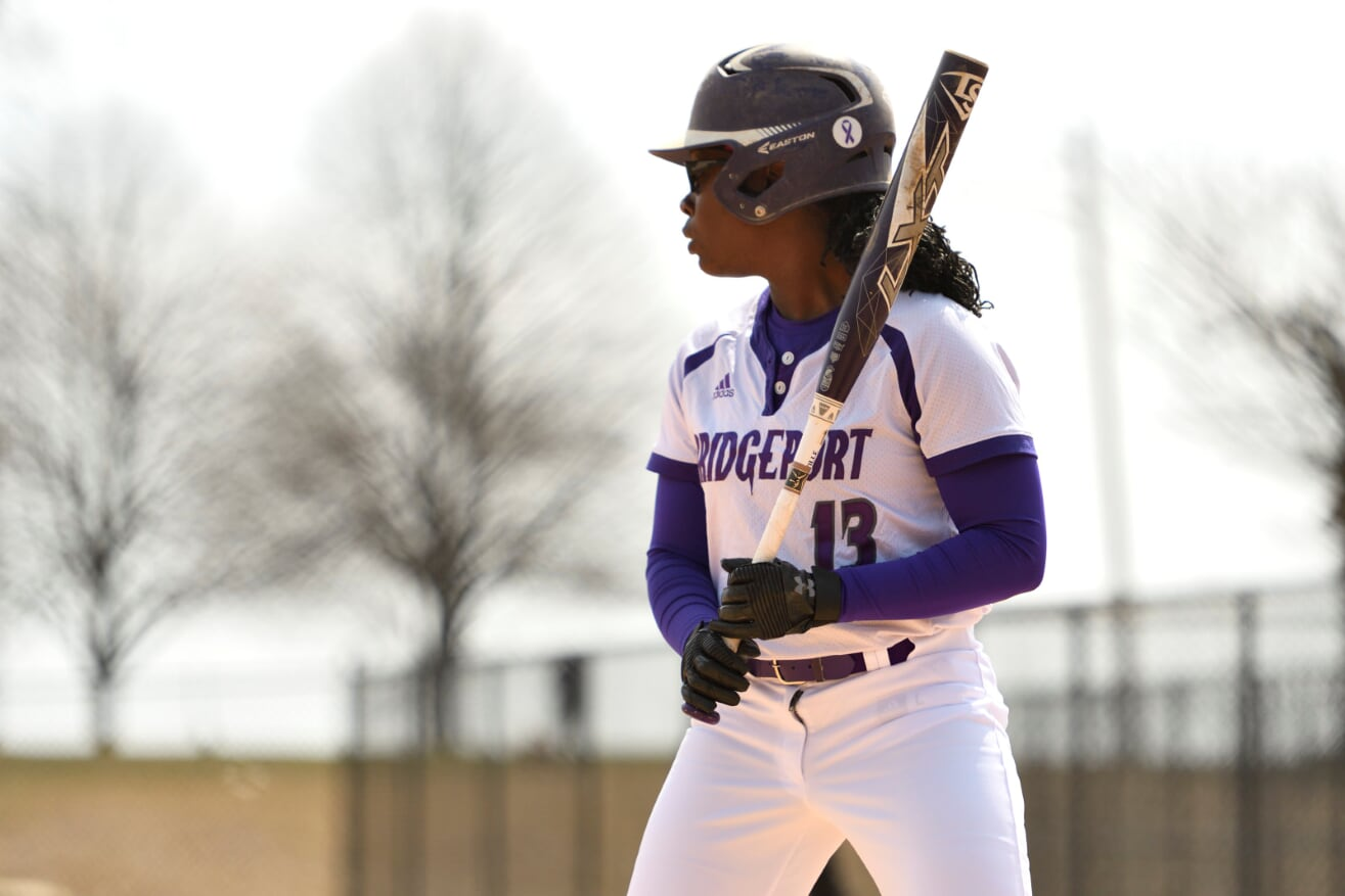 UB Softball Splits ECC Doubleheader With Mercy