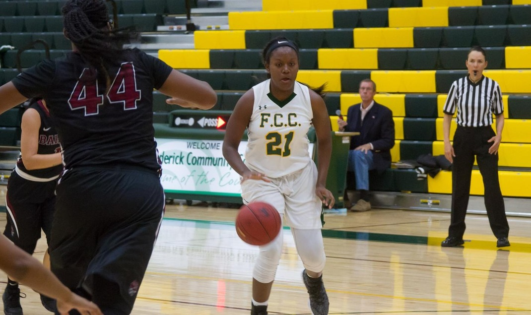 Offense Lights Up Scoreboard In Women's Basketball Win