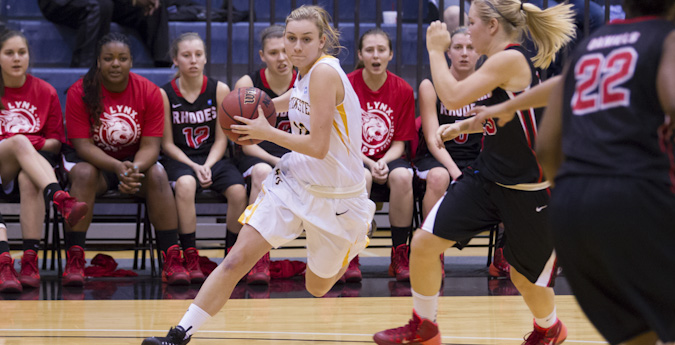 Huge second half gives women's basketball easy win over 'Roos