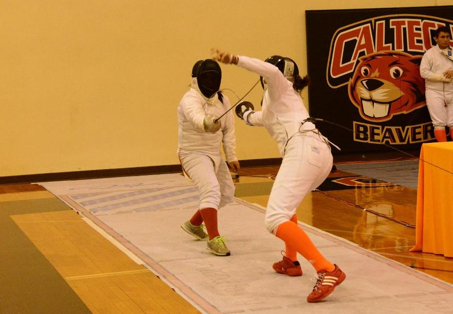 Epeé Tops Two Division I Schools to Pace Women's Fencing at Western Invitational