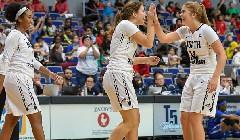 UNF Overcomes Slow Start, Tops FIU 62-53; Improves to 4-0 at Home