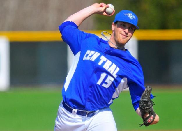Glynne Tosses Gem, CCSU Wins 9-0