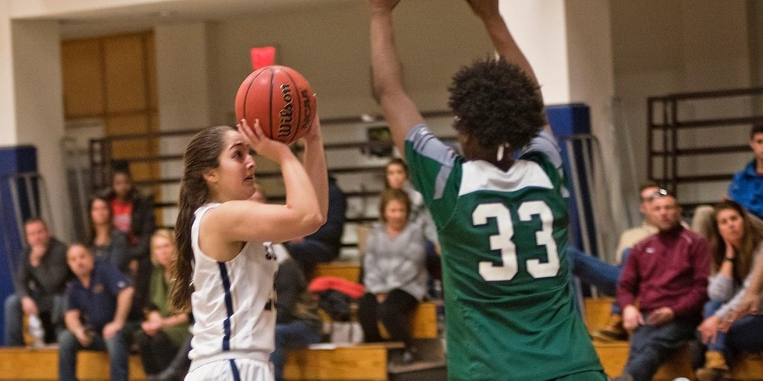 Women's Basketball Collides with Simmons Tuesday