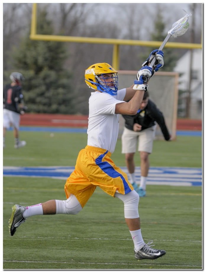 Lions' men's lacrosse team drops home game to MSOE