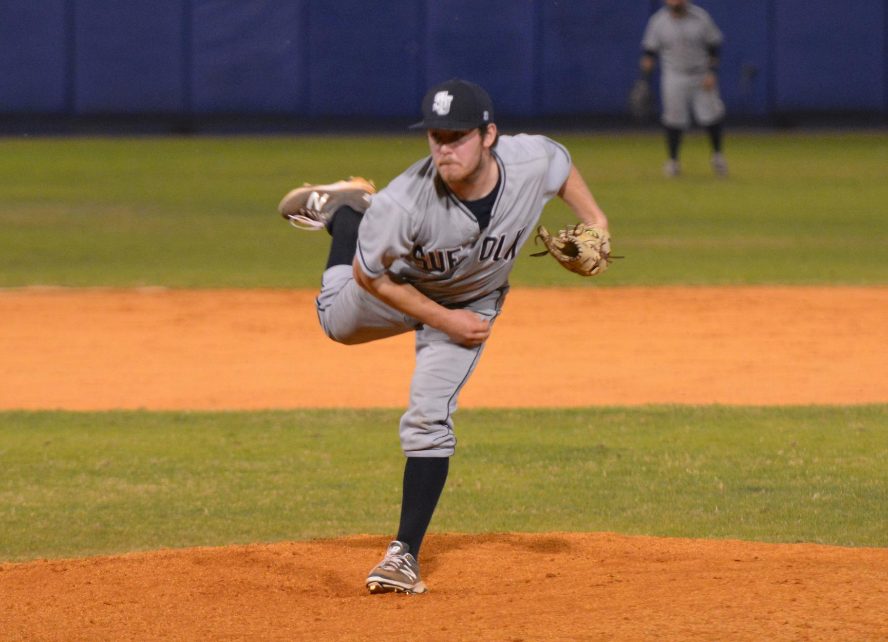Baseball Locks Up Sweep, Defeats Norwich, 3-1 in Closer
