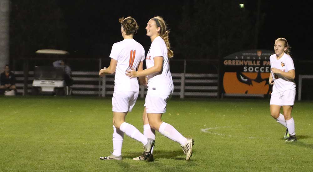 Women's soccer outplays Eureka