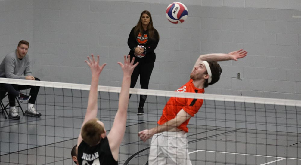 Men's volleyball drops a pair of three set matches