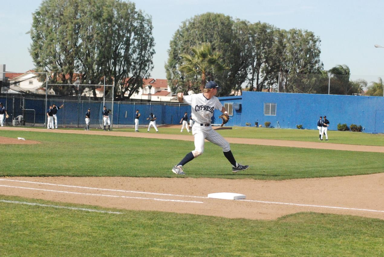 Chargers beat Merced 5-1