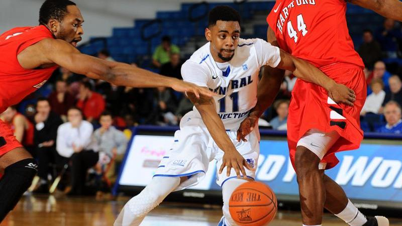 Blue Devils Fall to CCU in Final Seconds