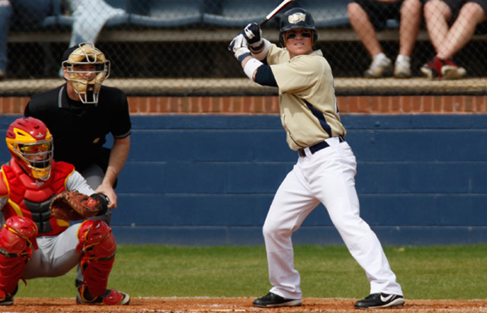 Hurricanes Lose at Valdosta State, 7-3