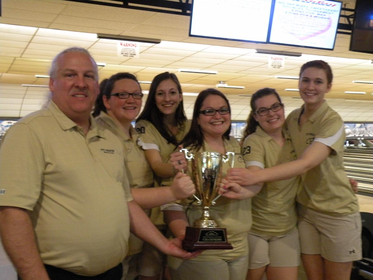 Pitt Bradford S Bowling Team Repeats As Amcc Champions University Of Pittsburgh Bradford
