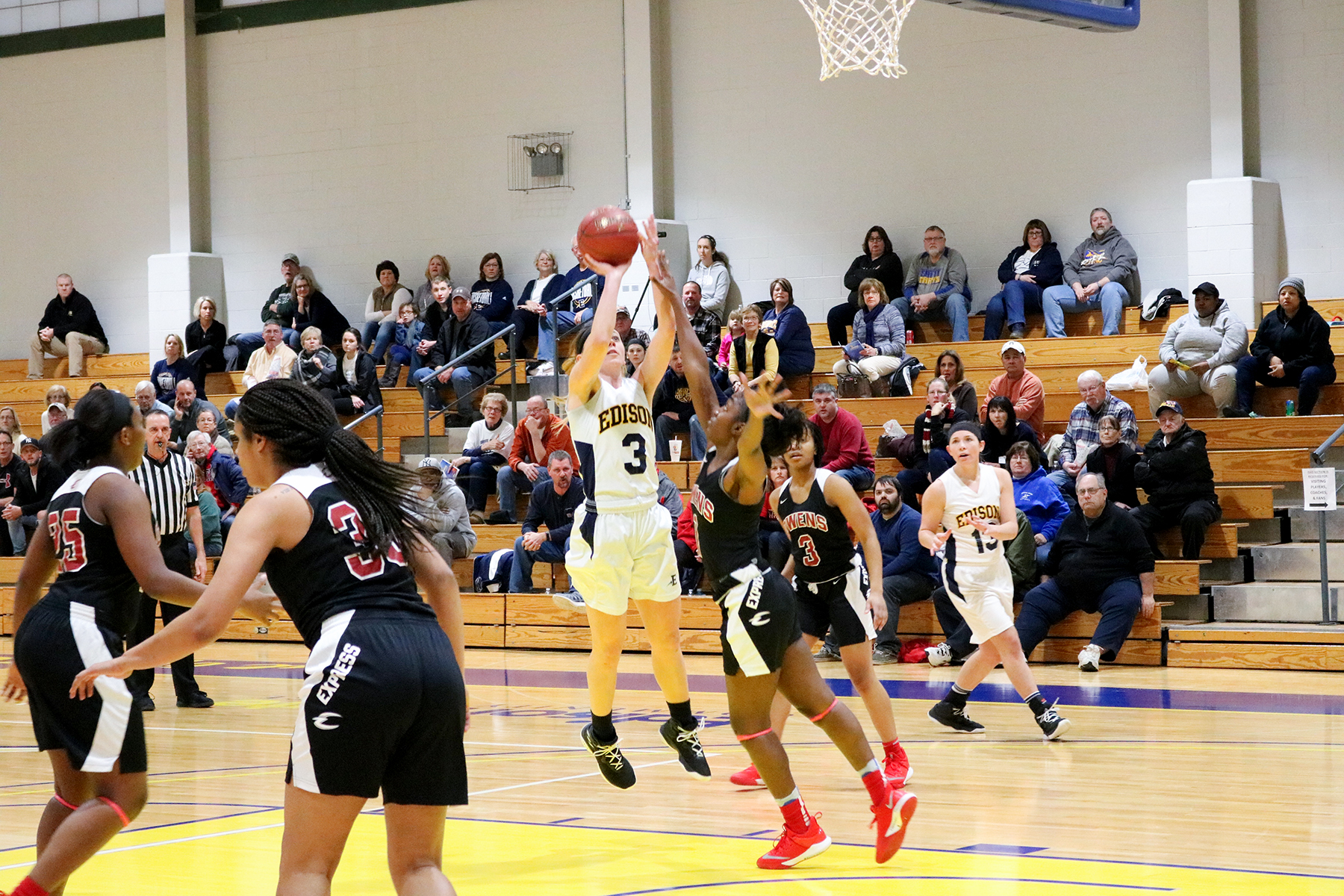 Lady Chargers Begin Season with Victory