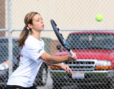 Women's Tennis edges Kenyon 6-3 in battle of regionally-ranked teams