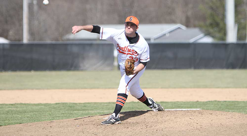 Baseball topped in two one-run games at Webster