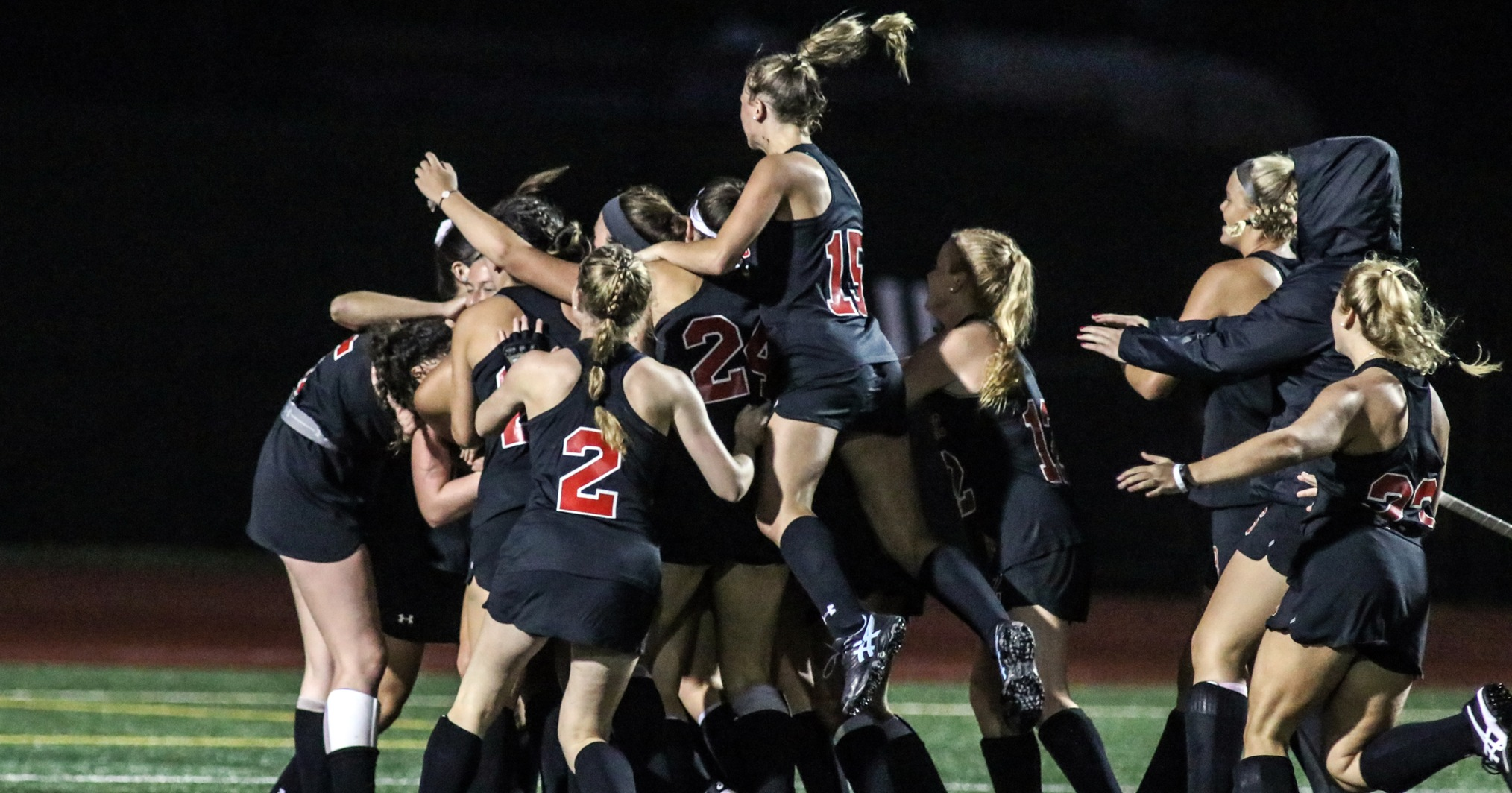 Coaches Tab Field Hockey to Win Fifth League Title