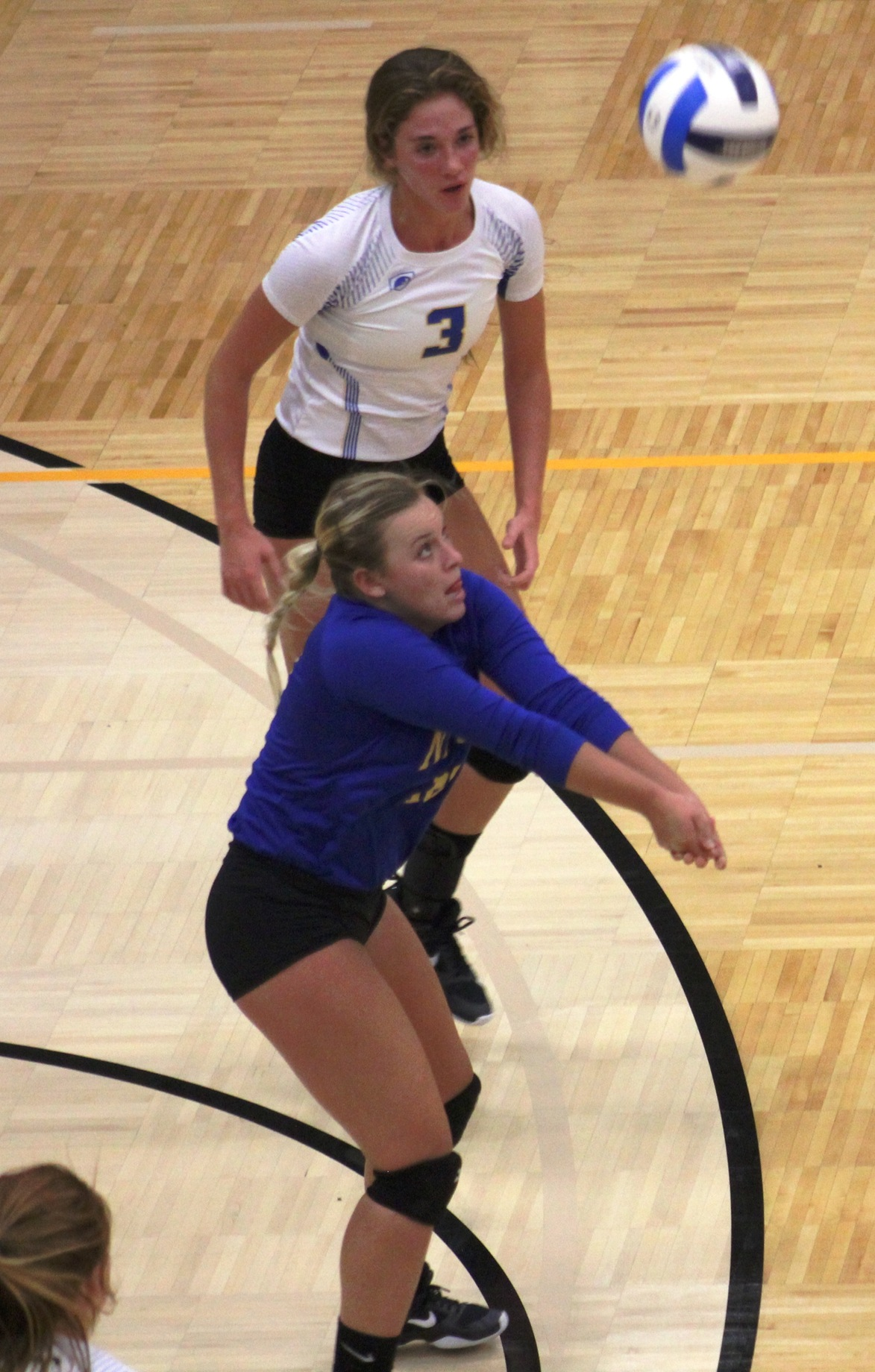 NIACC's Sammi Hyde digs the ball from the back row in Wednesday's ICCAC match against Northeast CC.