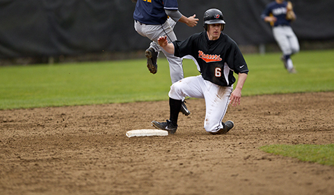 Baseball Can't Fend off Top Ranked Linfield