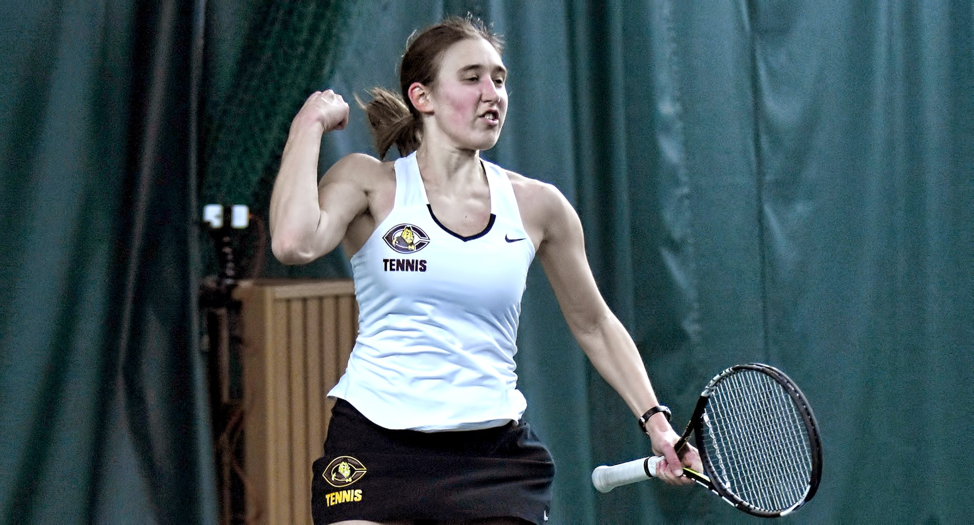 Senior Lisa Neumann went 3-1 in singles play and was 4-1 in doubles with partner Rachel Saxen.