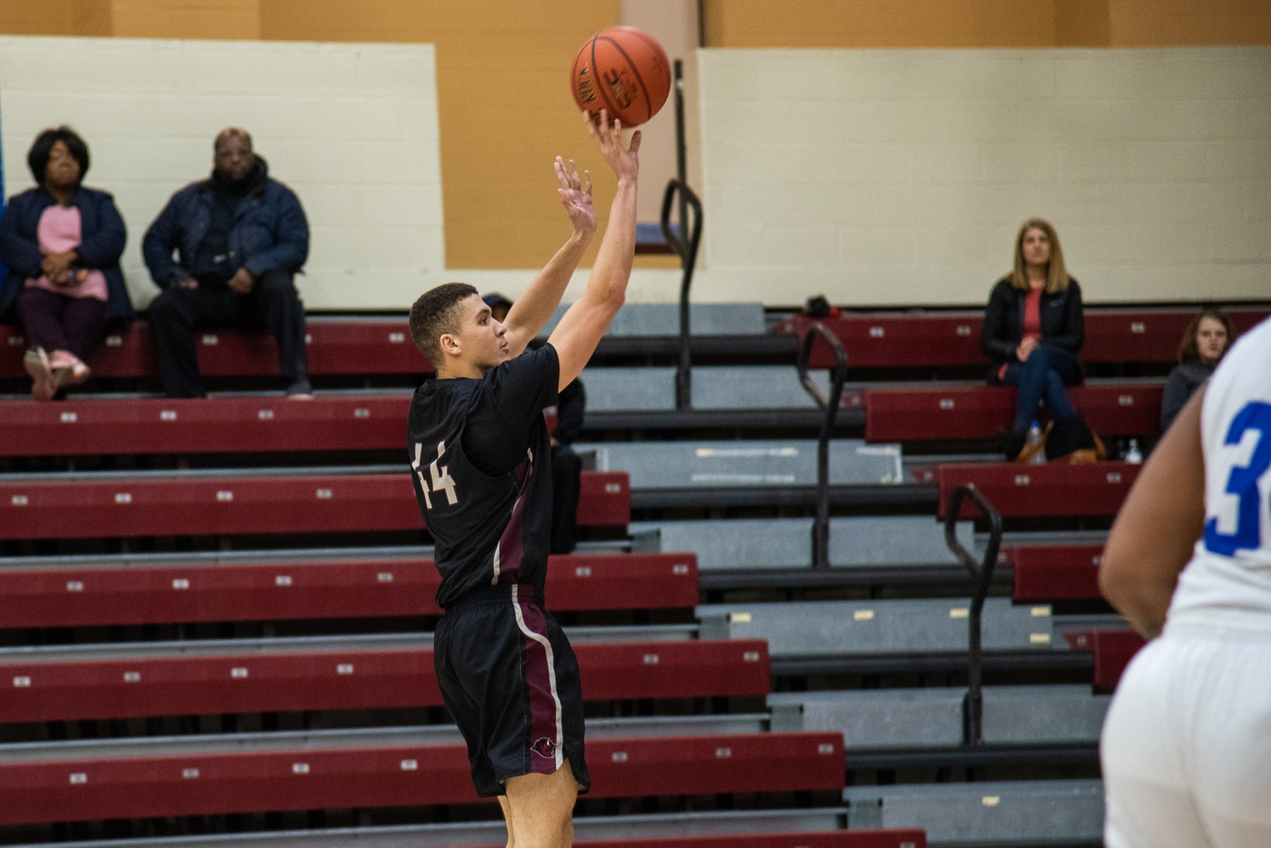Early Second Half Run Erases Men's Basketball's Halftime Lead in Loss to Concordia