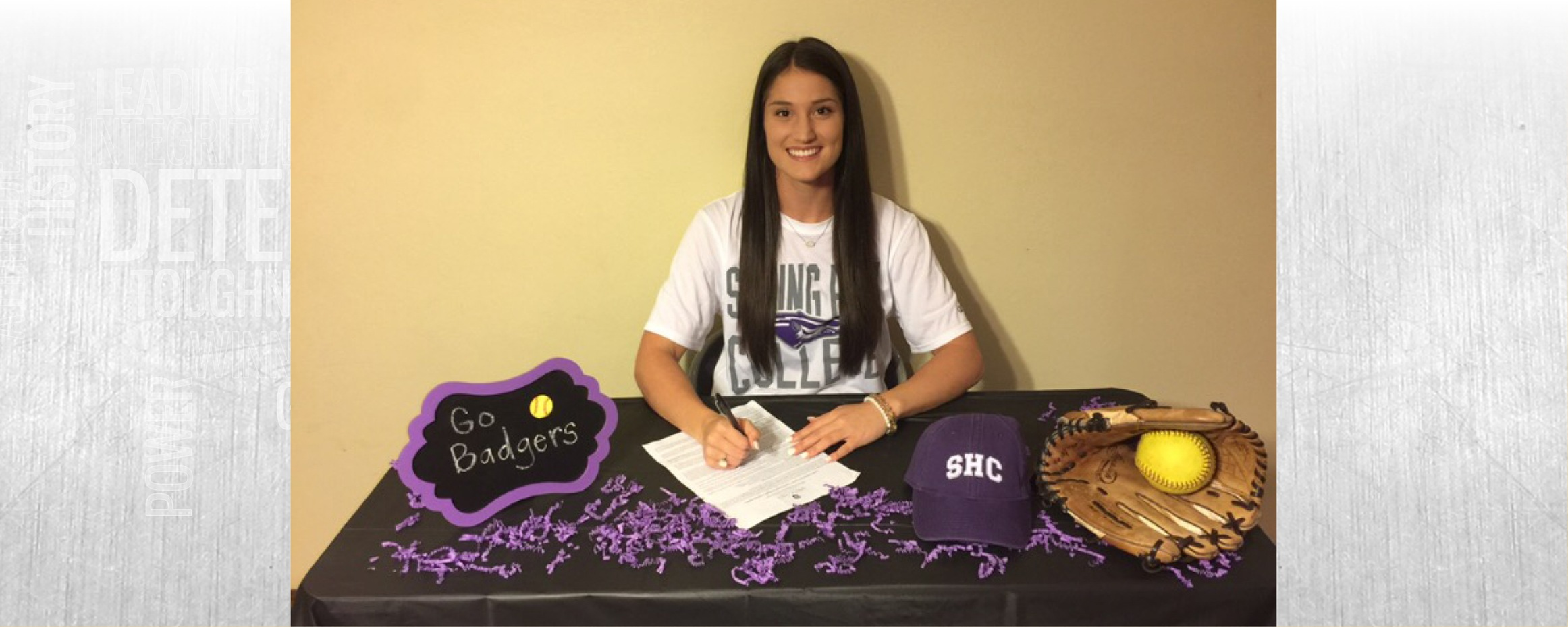Davis signs with Spring Hill