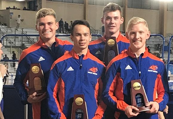 TOP MOMENT #10 – MEN'S INDOOR TRACK 4x400 RELAY EARNS ALL-AMERICA HONORS