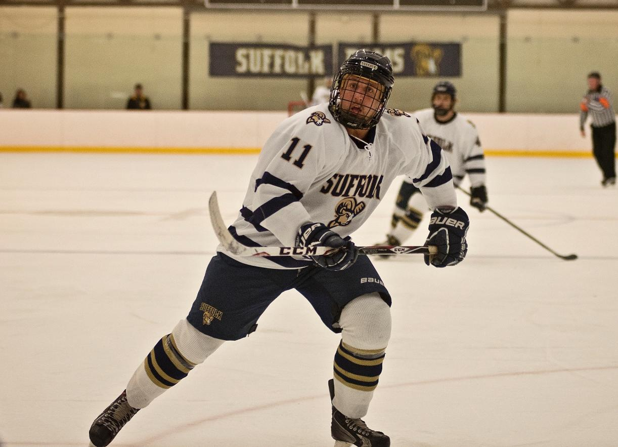 SNHU Takes Down Men's Hockey, 5-2